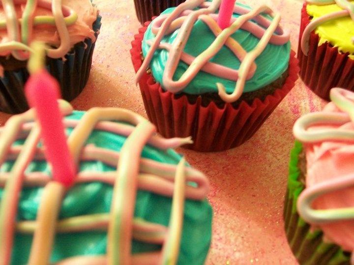 Karen's Colorful Cupkakes!