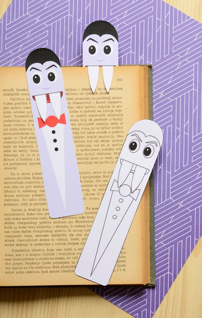 How cute are these DIY vampire Halloween bookmarks?!