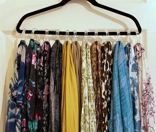 Organizar Guarda Roupa: +20 Dicas Profissionais para Ganhar Espaço | Scarf hanger, Diy scarf, Scarf organization