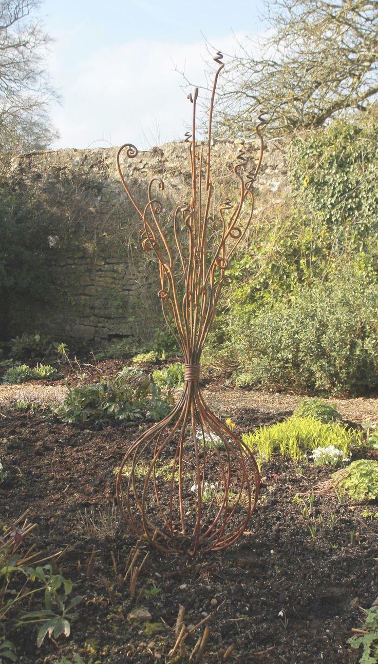 Straysparks - Creative Metalwork - garden sculptures