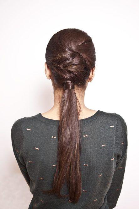 動いても邪魔にならないローポニーテール☆ ジムに行く時のヘアスタイル 髪型・アレンジ・カットの参考に♪