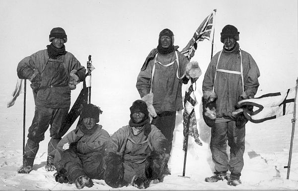 Scott's Antarctic Expedition (Terra-Nova-Expedition) – Wikipedia  Scotts Team at the Southpole, 18. Januar 1912. From left to right: (standing) Oates, Scott, Wilson; (seating) Bowers, Edgar Evans