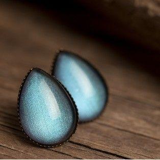 Серьги гвоздики в форме капли