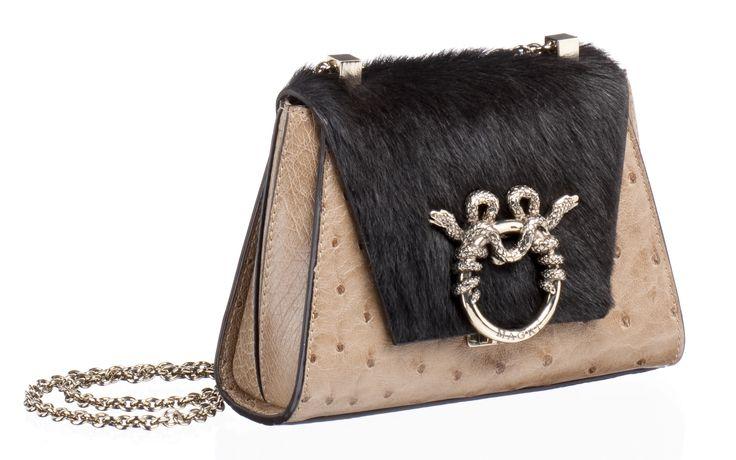 "MAGRÌ ""PICCOLA PRINCIPESSA"" shown in pressed Ostrich and Goat  #magri_handbags #magri #craftedinflorence #italianstyle #TimelessElegance #Sophisticated #MadeInItaly #italianCraftmanship #ItalianGlamour #luxuryHandbags #Handbags #powerbags #magribag @magriofficial #gentlemanclub #etabetapr #magripress www.magri.com"