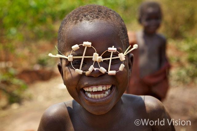Burundi 2012 ⓒ Robert Coronado             Such a creative boy there ! :)