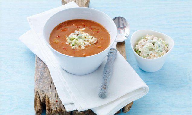 Möhren-Tomaten-Suppe mit Erdnuss-Dip Rezept | Dr. Oetker