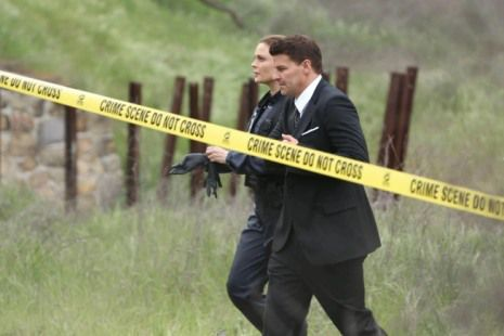 bones season 8 finale secret in the siege fox 1 booth brennan 'Bones' Season 8 finale photos: Will Booth and Brennan get engaged or break up?