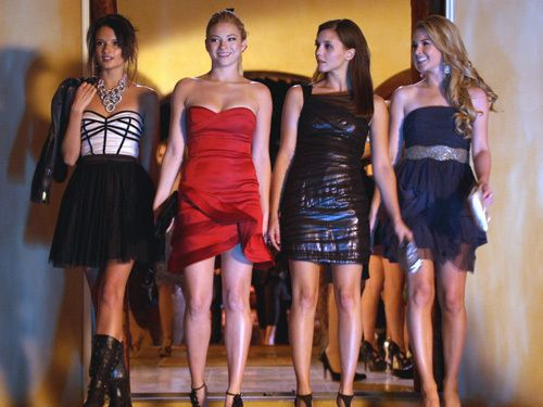 The Lying Game-Alice Greczyn, Allie Gonino and Alexandra Chando as Mads Rybak and Sutton and Laurel Mercer
