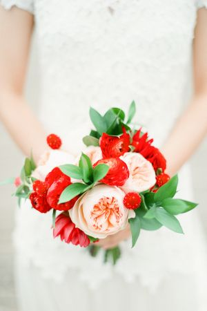 Red and Pink Bouquet | photography by http://www.brklynview.com/