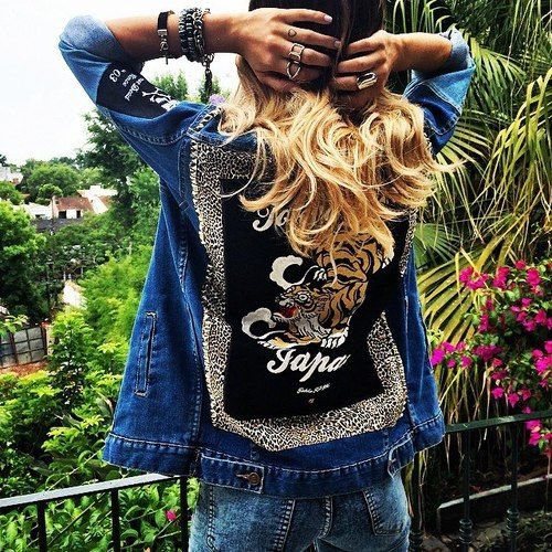 #TiniStoessel I love her hair!