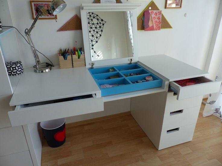 Originální pracovní stůl v sobě ukrývá i zrcadlo a zásuvku na ukládání kosmetických nezbytností - ProŽeny.cz