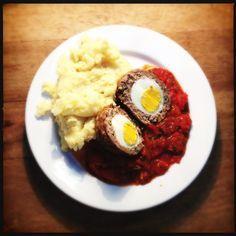 Vogelnestjes in tomatensaus met puree // bird's nests in tomato sauce with mashed potatoes