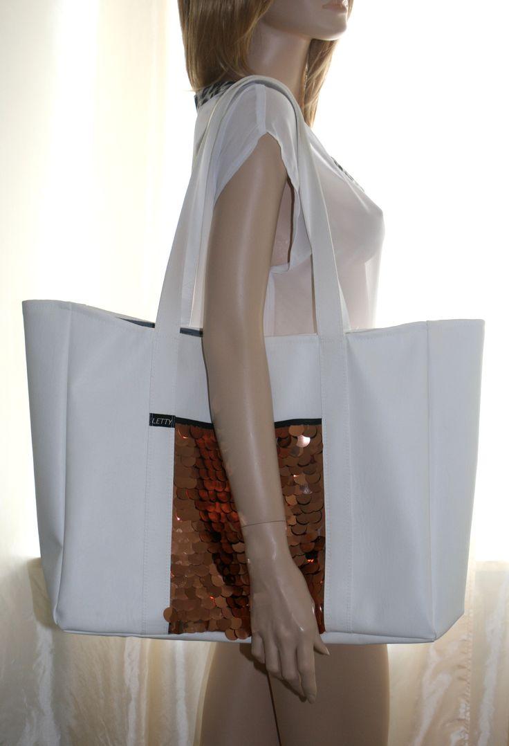 Kunstleder Tasche, Strandtasche mit Pailletten, weiß / Kupfer