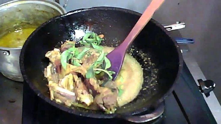 Hidangan yang satu ini berbeda dengan yang lain : Entog Dempel. Entog adalah sejenis dengan bebek. #IndonesianFood #KulinerNusantara #Kuliner