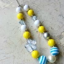 """Most popular chunky necklaces!  *16"""" long + 3"""" extender chain *made with large gumball-style pearl acrylic beads *approx total 16-18inches long  *attach with a toggle clasp and has a 3"""" extender chain *great for gifts and look even better in photos shooting *From smoke free and pet free env..."""