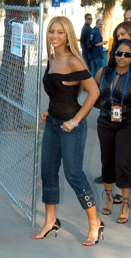 Beyonce 2003 Google Search Fashion Pinterest Beyonce Body Search And Beyonce