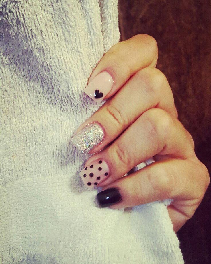Uñas cortas, decoradas gelish  Small nails, black gelish