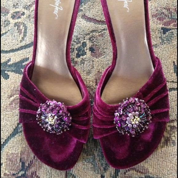 Pretty burgundy shoe with Jewels!!! Now half price Not worn - - at all... I know its early in year for a velvet sandal.  they're so pretty and bejeweled I'd wear them to a wedding - great for holidays. Or bridesmaids dresses  price shown is half my original price. Jacqueline Ferrar Shoes