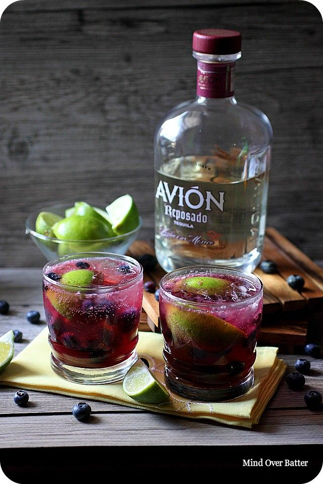 Ingredients: The Blueberry Simple Syrup 1 1/2 cup fresh blueberries - 1 cup of cold water - 1 cup of granulated sugar - Splash of vanilla extract - The Smash 2-3 tablespoons fresh blueberries - 2 slices of lime - 3 tablespoons blueberry simple syrup - 1 ½ oz. tequila ( I used Avion) - Ice - Seltzer water -
