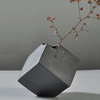 Sanbao Jackson (@sanbaostudio) Square stoneware vase
