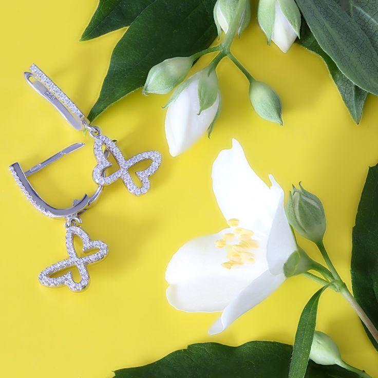 Как же они будут смотреться на ваших ушках? Легкие как взмах крыльев бабочки!  #украшения #kazkajewelry #ювелирныеизделия #одесса #львов #бабочка