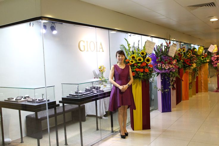 A Big Thank you to all who took extra time and effort to celebrate our Opening for Gioia Fine Jewellery.  Thank you for all the beautiful flowers and blessing, we want to sincerely express our gratitude to all you. You guys are awesome!  Thank you so much!  www.gioia.com.sg  #gioiafinejewellery #bespokejewellery #custommadejewelry #preciousstones #finejewellery #gemstone #jeweller #tanjongpagar #internationalplaza