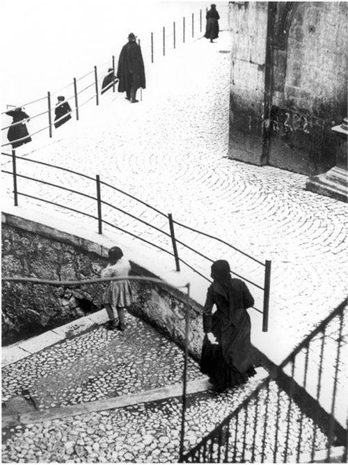 Mario Giacomelli - Scanno, 1957. © Simone Giacomelli , courtesy Photology Milano. S) Tumblr