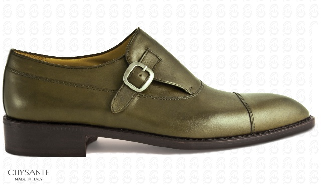 Mod. BUSINESS  in green calf leather with  mono buckle in charcoal gray.  Sole and heel in hide.