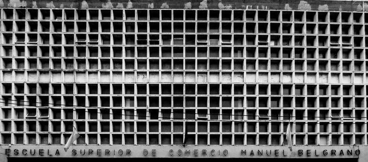 Galería de Clásicos de Arquitectura: Colegio Manuel Belgrano / Bidinost+Chute+Gasó+Lapacó+Meyer - 4