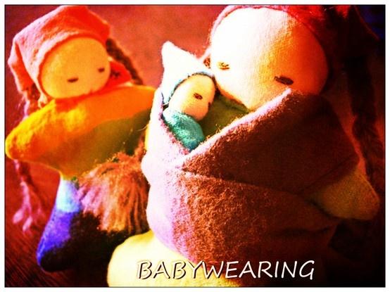 Llevar en brazos a tu bebé es natural y universal.