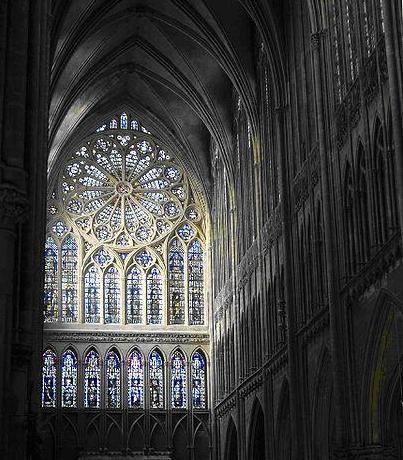 Vitrais na arquitetura gótica