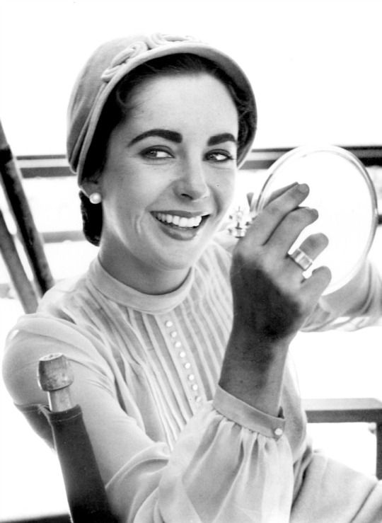 Elizabeth Taylor 1955.i love you my lady queen of git'r'done