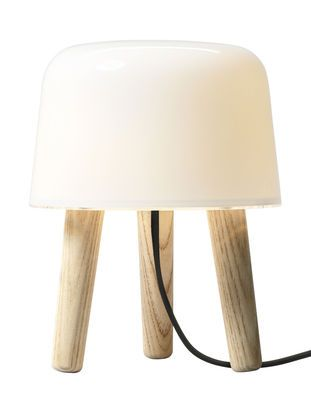 Lampe de table Milk     139.00 madeindesign.com
