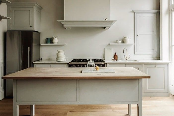 A longstanding favorite kitchen in Battersea by UK cult kitchen design company Plain English. Plain English Battersea Townhouse | Remodelista