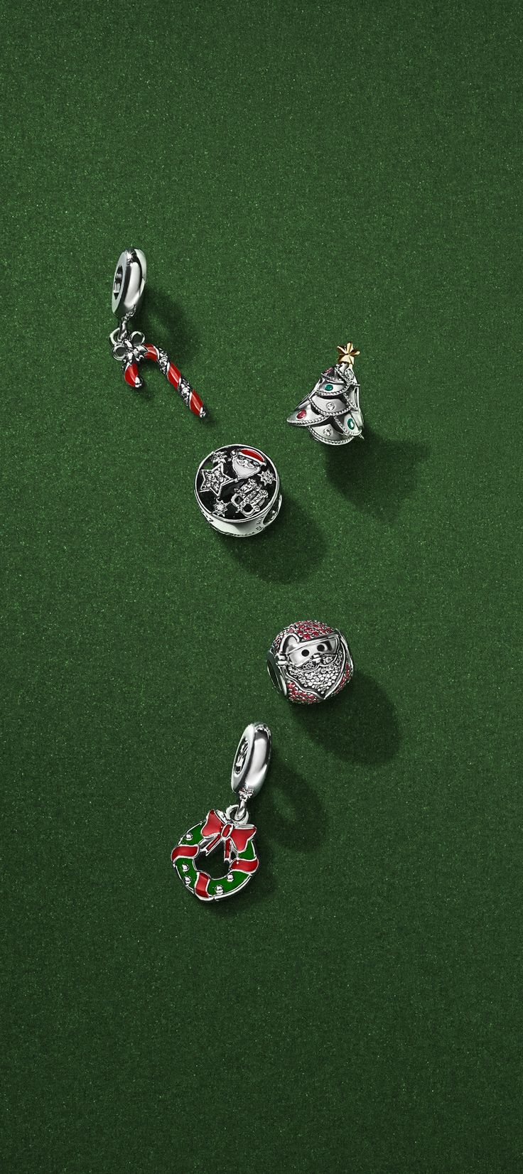 A candy cane, a wreath and a detailed Christmas tree will help you ring in Christmas. Which PANDORA Christmas charms are on your wish list this season?