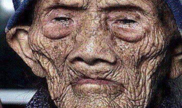 De oudste man ter wereld is 256 jaar en breekt de stilte voor zijn dood en deelt zijn geheimen met de wereld