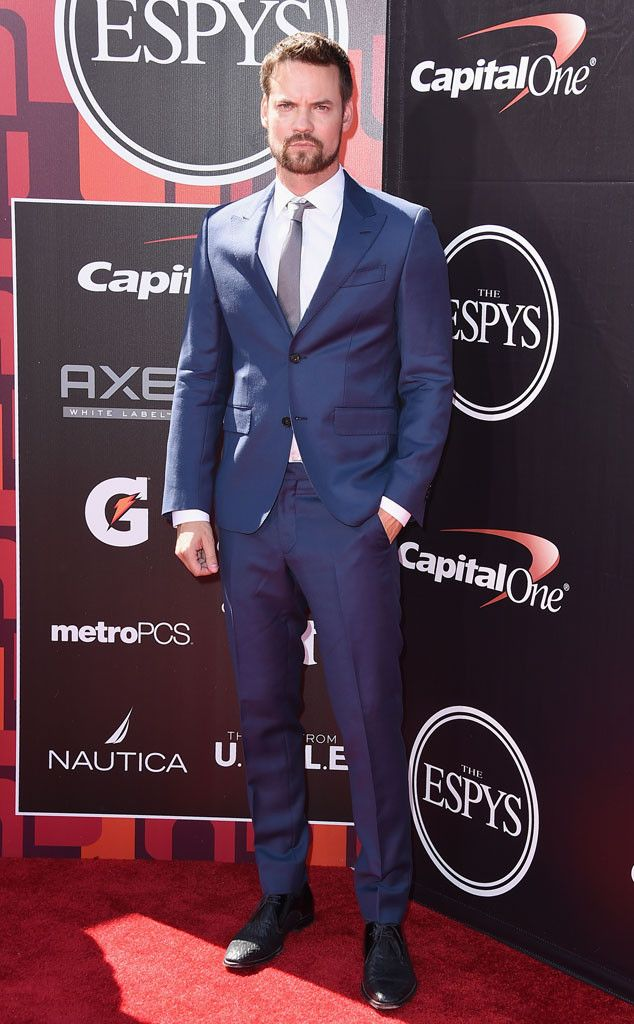 Shane West from 2015 ESPY Awards Red Carpet Arrivals The actor settles into a suave blue suit for the occasion.