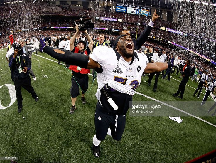 Ray Lewis #52 of the Baltimore Ravens celebrates after the Ravens won 34-31 against the San Francisco 49ers during Super Bowl XLVII at the Mercedes-Benz Superdome on February 3, 2013 in New Orleans, Louisiana.