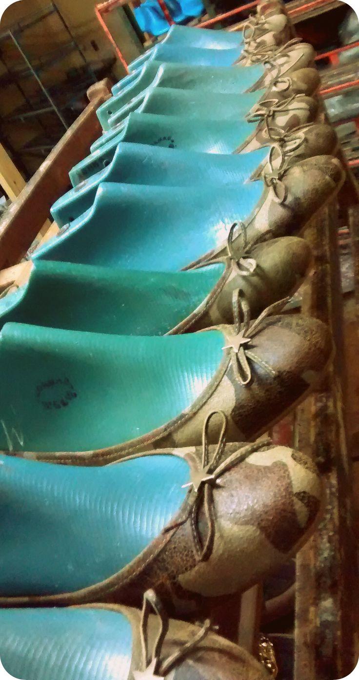 en plena produccion // ballerinas camufladas // www.mariaballerina.com