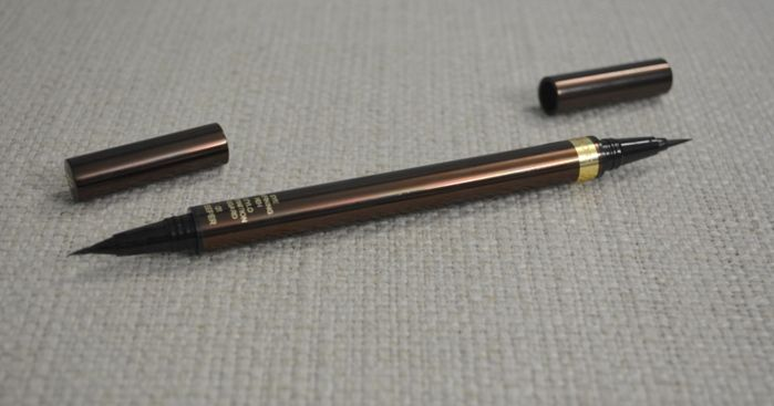 Tom Ford, Eye Defining Pen, Deeper, Review, dual ended, two applicators, various looks can be created, slides effortlessly, deep rich black, pigmented, stays long, travel friendly, sturdy packaging, paraben free, waterproof