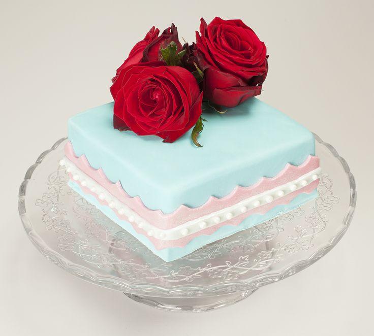 Tort na chrzciny, komunię, urodzinowy yummycakes.pl