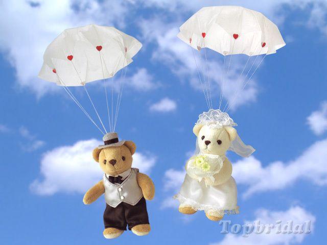 NEWタイプのブーケトス*お空からくまちゃんが舞い降りる『パラシュートベア』が盛り上がる♡にて紹介している画像