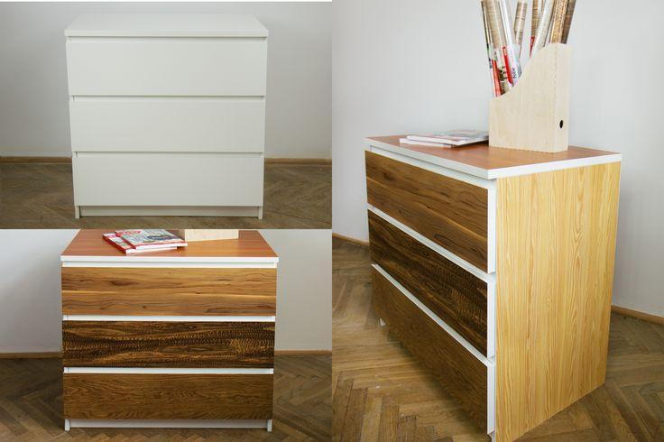 Różne desenie drewna na jednej komodzie