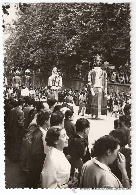 Los gigantes de Pamplona, años 40. Más fotos de los Gigantes y Cabezudos en http://www.flickr.com/photos/rlasaosa/sets/72157622891822362/
