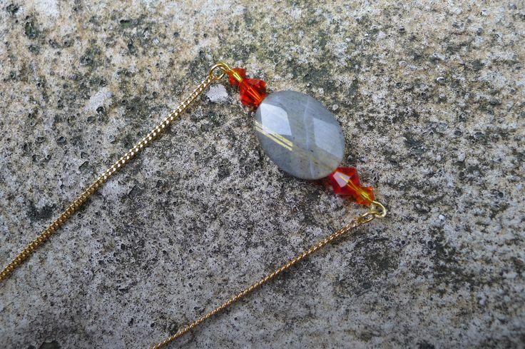 Collier avec pierre et perles de cristal Swarovski par Elisabeth de Sagazan