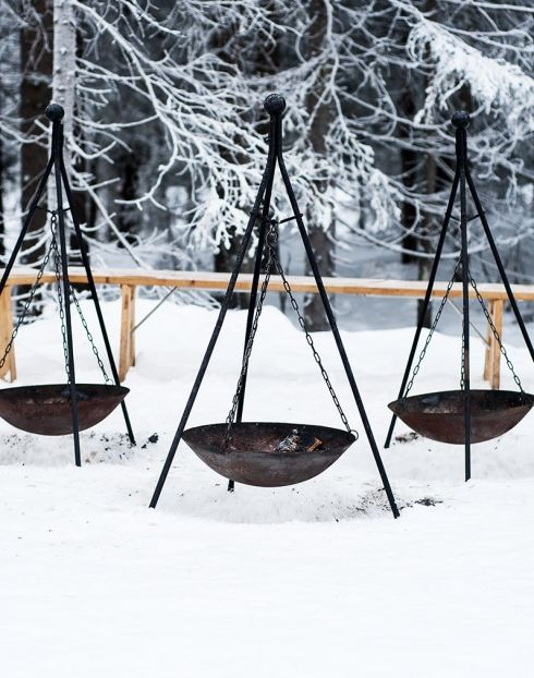 tripod hanging fire bowls. Ah. Hey, Boyz, we need one of these for the traibin.