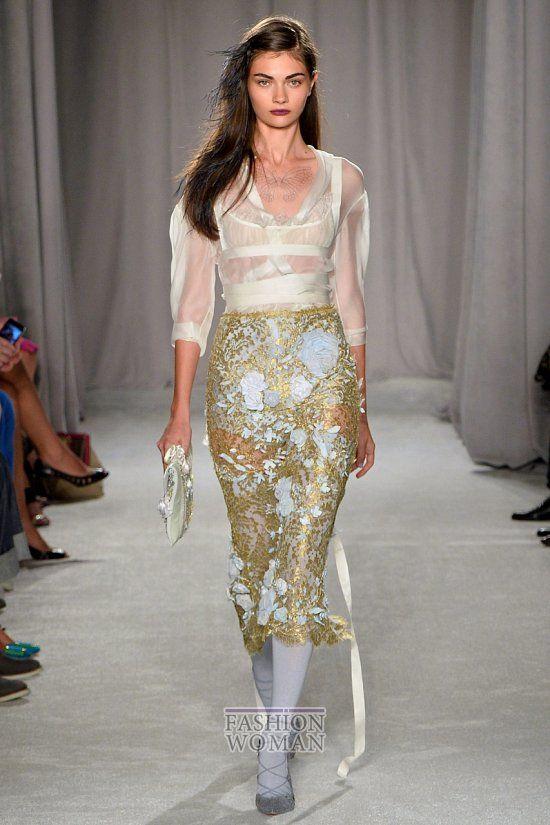 Кружевные юбки - модный тренд сезона. Самым популярным фасоном в нынешнем сезоне оказалась юбка-карандаш. Еще одна тенденция, мимо которой не пройти, - кружевные юбки без подкладки. Что же касается длины, то кружевные юбки 2014