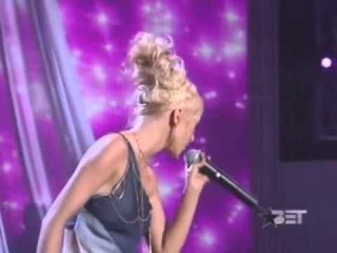 Christina Aguilera - Run to You Live (Whitney Houston Tribute) - YouTube