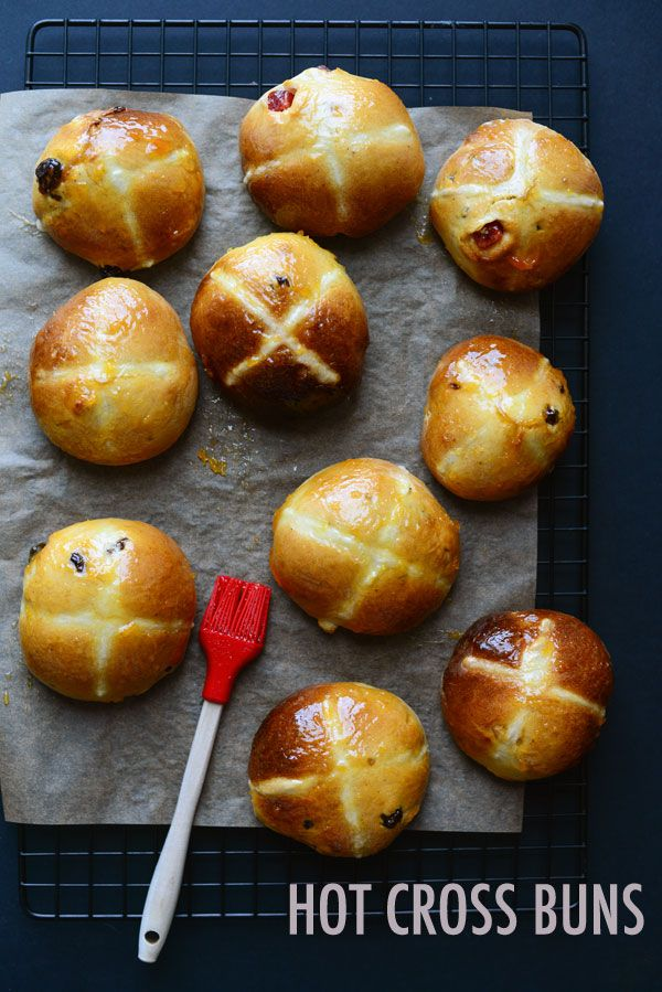 hot-cross-buns @Leemei Tan