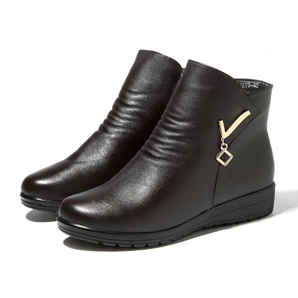 Boots Women Winter Leather Keep Warm Plush Flat Ankle Boots - US$35.59